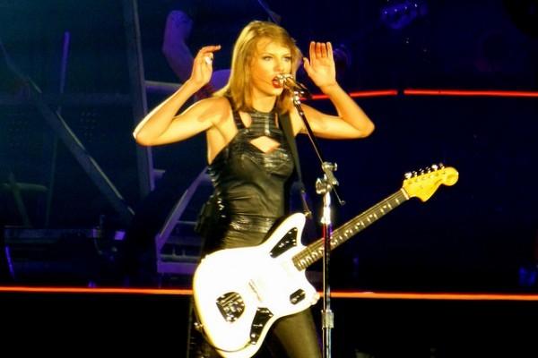 Taylor Swift de nuevo en la polémica, ahora por su nuevo vídeo