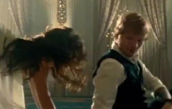 Ed Sheeran primer artista masculino, con dos canciones con más de 1 año, en la lista americana de singles