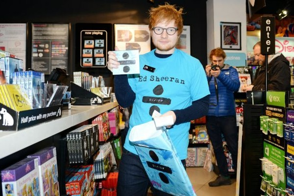 Ed Sheeran repite en el #1 en US, con 'Divide', 'Beauty And The Beast', la BSO debuta en el #3