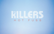 The Killers con Hot Fuss, 250 semanas en la lista británica y Arctic Monkeys con AM, 200