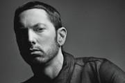 Eminem actúa en el SNL con un medley 'Walk On Water/Stan/Love The Way You Lie'