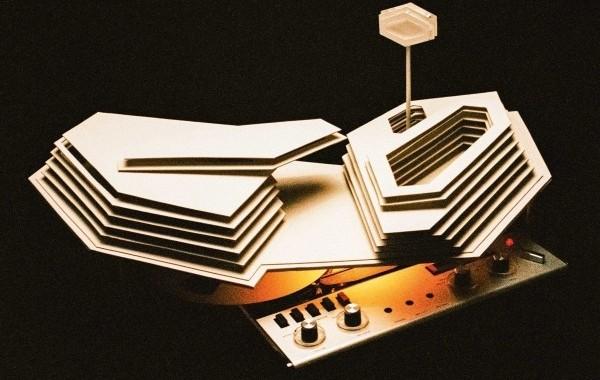 Arctic Monkeys hacen doblete en álbumes, en venta pura y streaming en España, con 'Tranquility Base Hotel + Casino'